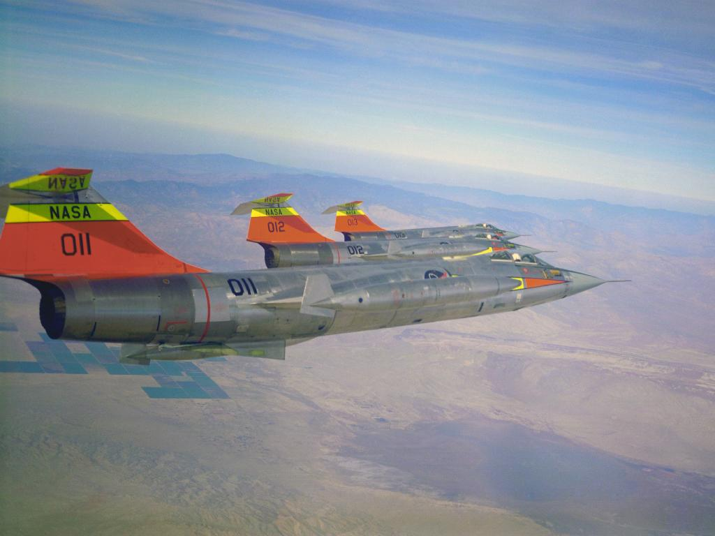 F-104 Starfighters in formation